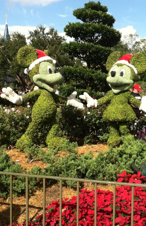 Christmas Minnie and Mickey