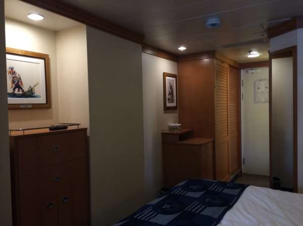 Dresser & Closet on Disney Magic